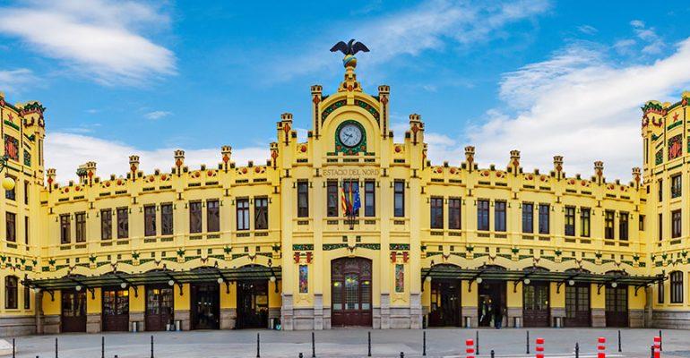 Venez découvrir les gares de train les plus jolies d'Espagne