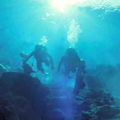 Le Puits Bleu, une grotte sous-marine sans fin ?