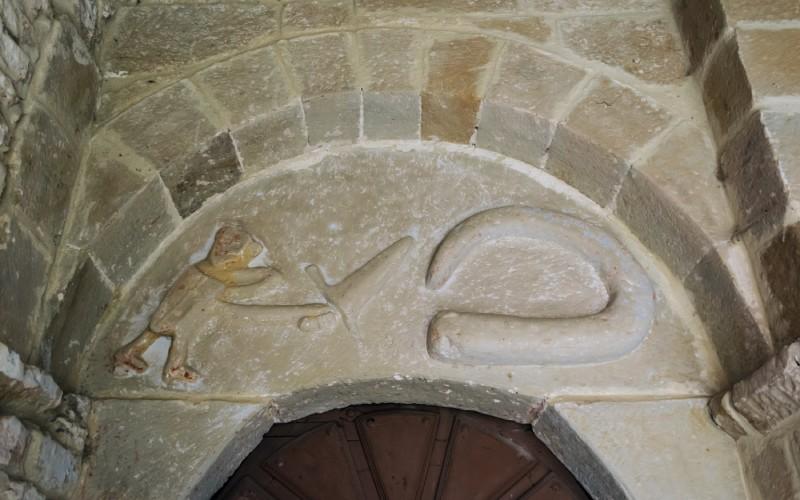 Serpent dans l'église de Puentedey