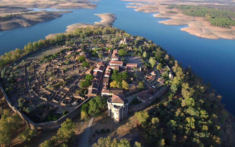 La vieille ville fortifiée de Granadilla, au nord de Cáceres