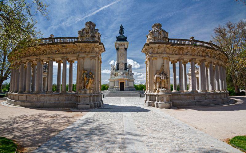 Vue panoramique du monument Alphonse XII
