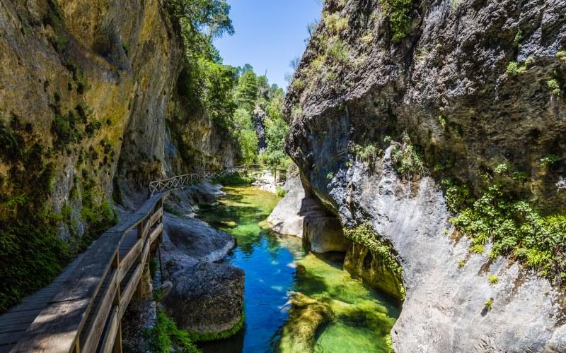 Chemin de la rivière Borosa dans la Sierra de Cazorla, Jaén