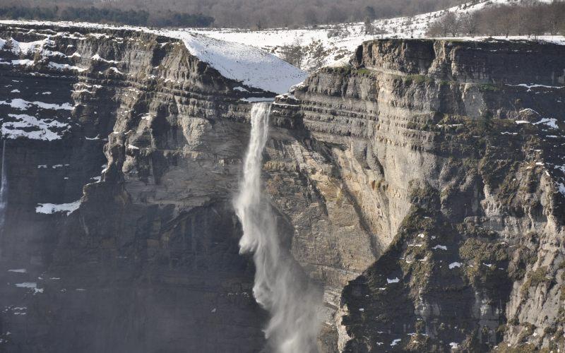 Cascade du Nervión en hiver