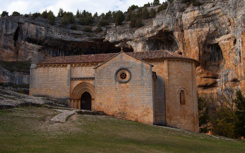 On pense que l'église est d'origine templière