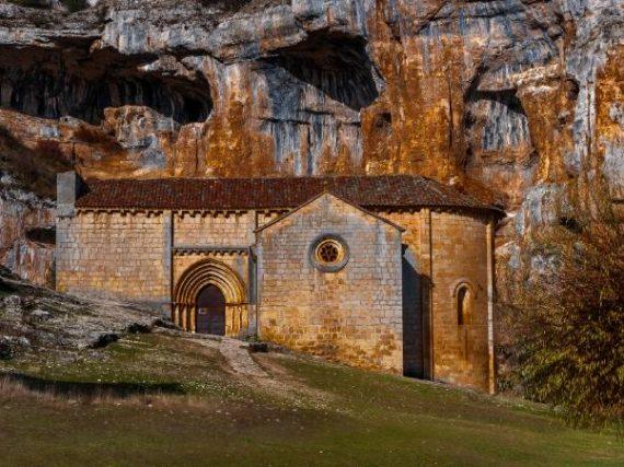 Église San Bartolomé d'Ucero, un temple ésotérique perdu dans un paradis naturel