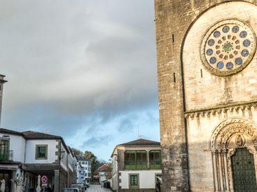 San Xoán de Portomarín, l'église-forteresse qui fut transportée pierre par pierre
