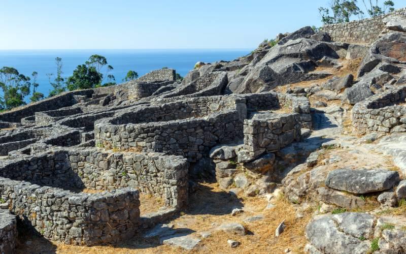 Demeures et édifices du castro de Santa Tecla