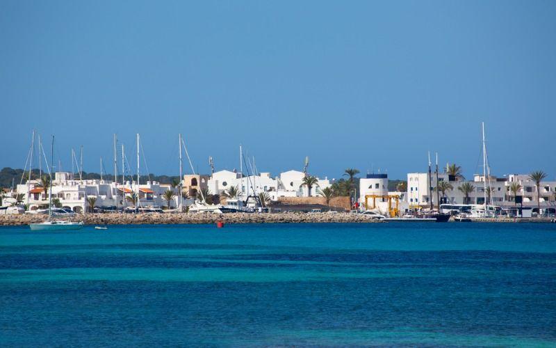 Vue de la crique Savina à Formentera