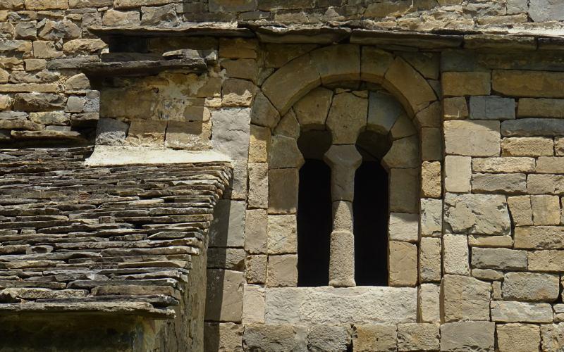 Fenêtre géminée de Santa Eulalia de Susín
