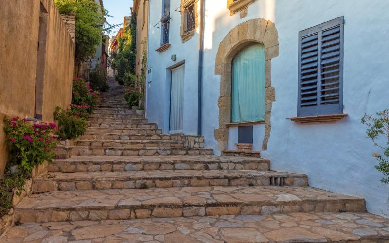 Rue au cœur du village