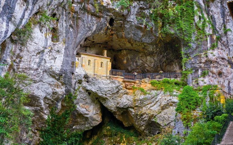 Grotte sacrée de Covadonga