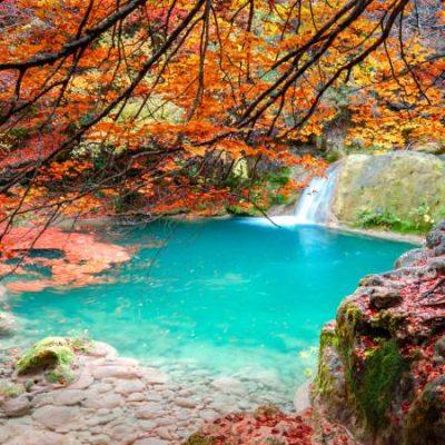 Les sources de l'Urederra, un itinéraire entre des eaux couleur turquoise