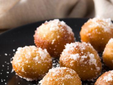 Buñuelos de viento ou beignets soufflés à l'espagnole, un dessert pour toute occasion