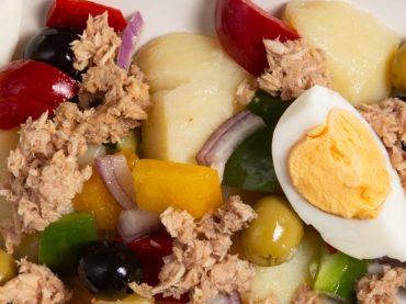 Salade campera, l'entrée campagnarde idéale pour l'été en Espagne