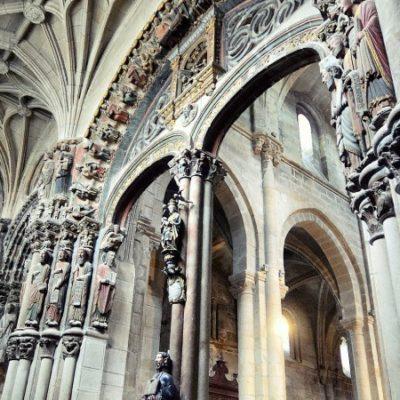 Porche de la Gloire à Saint-Jacques-de-Compostelle, unique en son genre
