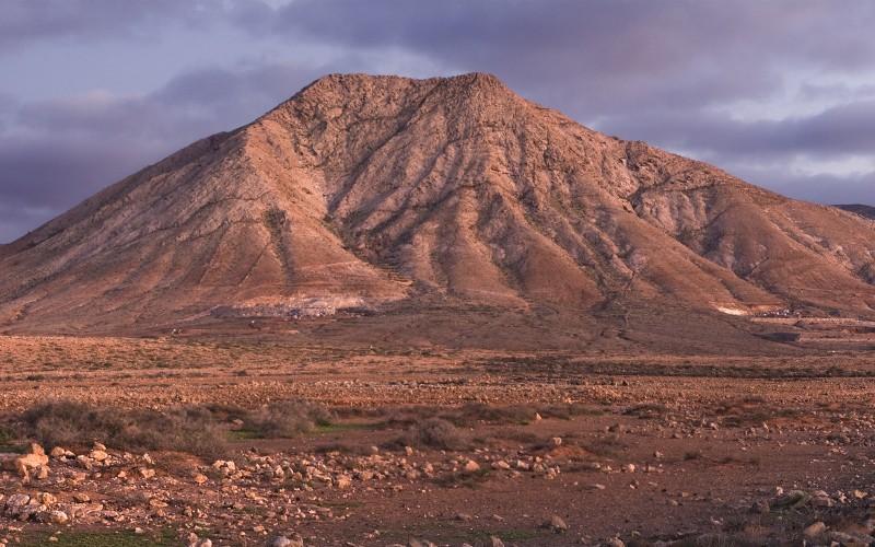 La montagne Tindaya à Fuerteventura