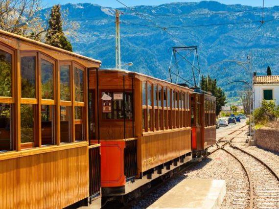 Le Train de Sóller, le chemin de fer majorquin qui n'a pas voulu fermer