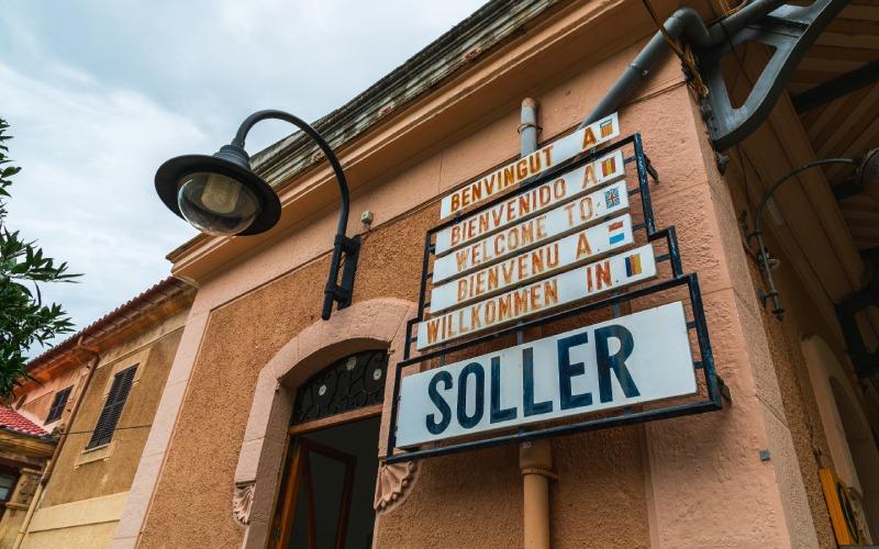 Différentes adresses dans l'ancienne gare de Sóller