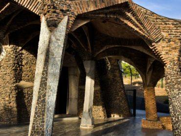 La Crypte de la Colonie Güell, l'une des oeuvres des plus méconnues de Gaudí