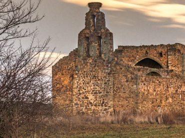 Églises espagnoles en ruines, beaux fantômes du passé