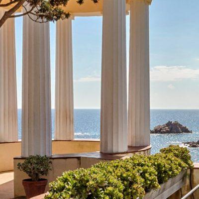 Le temple de Linné, un balcon vers la Méditerranée | Le Refuge du Week-end