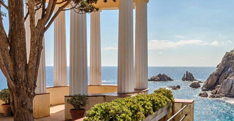 Le temple de Linné, un balcon vers la Méditerranée   Le Refuge du Week-end