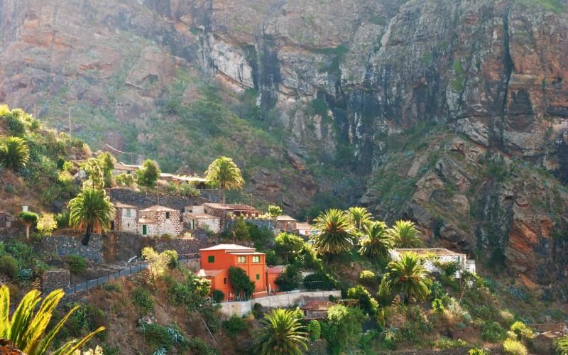 À Masca, on peut voir, entre autres, ses maisons colorées