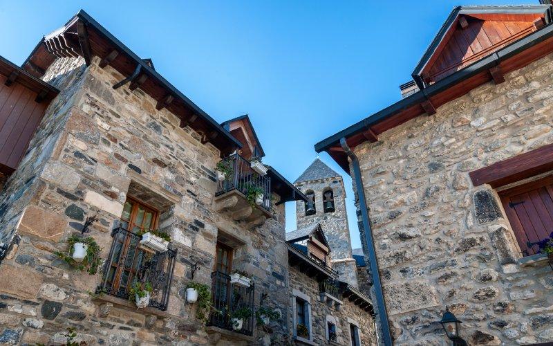 Le village reconstruit de Lanuza