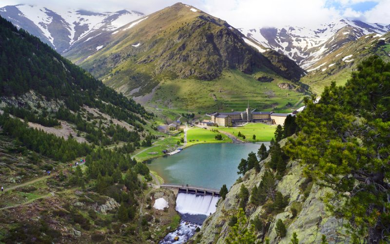 Vallée de Núria dans l'entourage de Puigmal