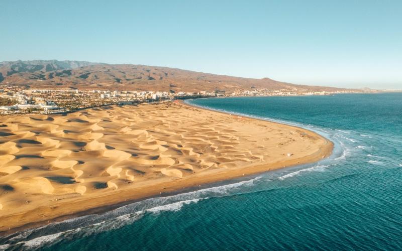 Vue aérienne des dunes et de la plage de Maspalomas