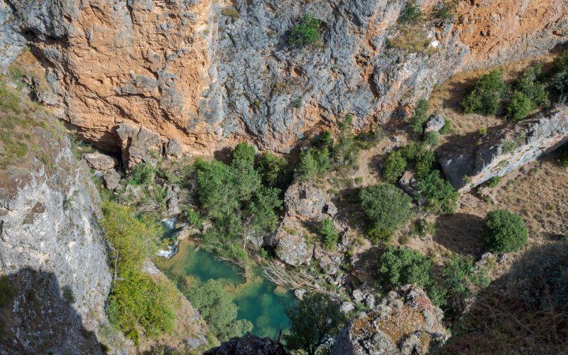 Vues de la rivière Júcar depuis le mirador de la fenêtre du diable